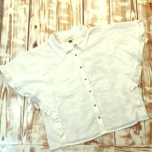 Universal Thread White Linen Style Ruffle Blouse